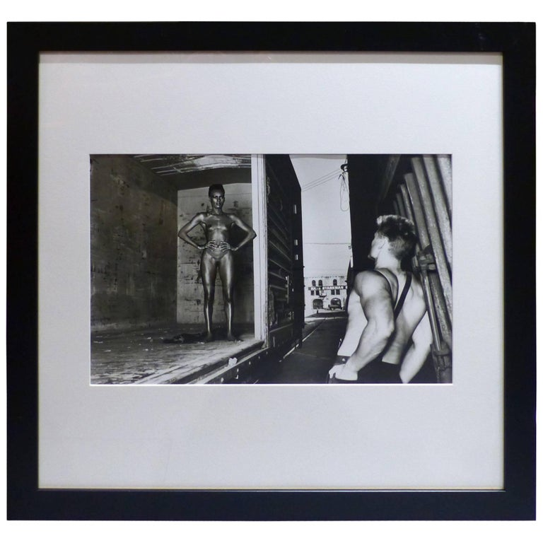 helmut newton framed poster grace jones and dolph lundgren los angeles 1985 at 1stdibs. Black Bedroom Furniture Sets. Home Design Ideas