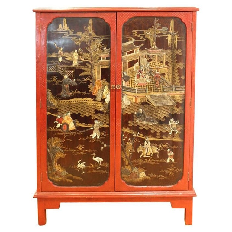 Chinoiserie Cabinet in Red and Black For Sale