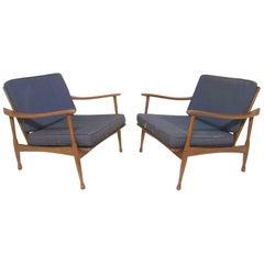 Pair of Mid-Century Italian Lounge Chairs, circa 1960s