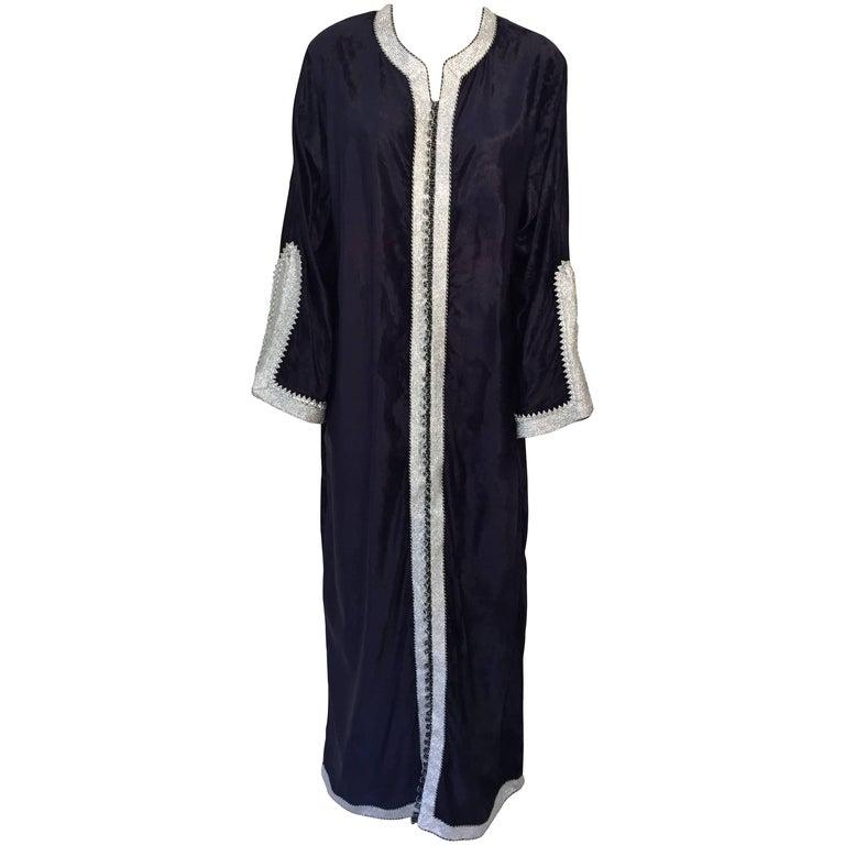 Moroccan Elegant Velvet Kaftan Black and Silver Caftan