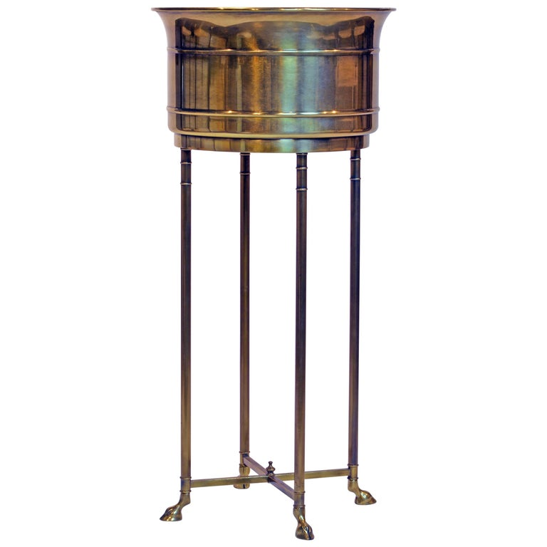 Elegant Maison Jansen Style Hollywood Regency Brass Plant Stand with Hoof Feet For Sale