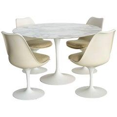 Vintage Eero Saarinen Table and Chairs Set for Knoll International