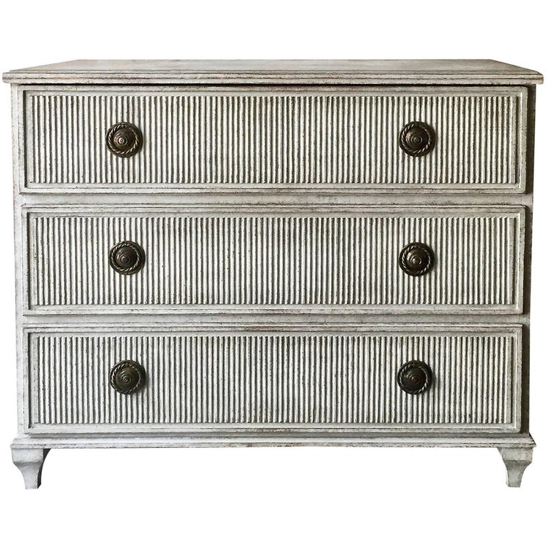 Swedish Gustavian Chest of Drawers with Reeded Front For Sale