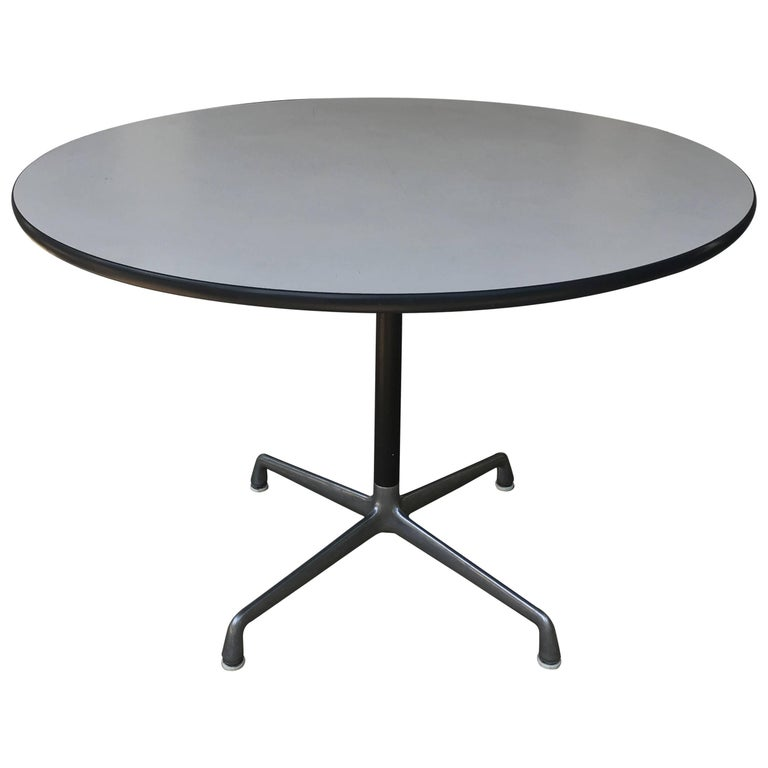 herman miller eames dining table for sale at 1stdibs. Black Bedroom Furniture Sets. Home Design Ideas