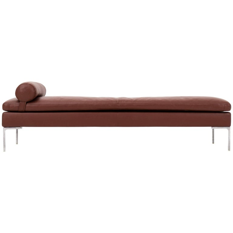 Charles Daybed by Antonio Citterio