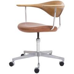 JH 502 the Swivel Chair by Hans J. Wegner