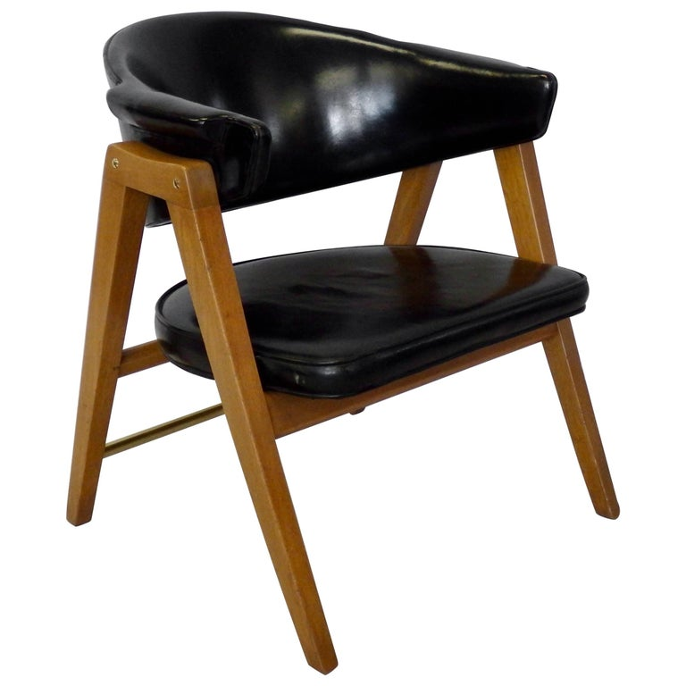 Edward Wormley for Dunbar Lounge Chair with Black Leather For Sale