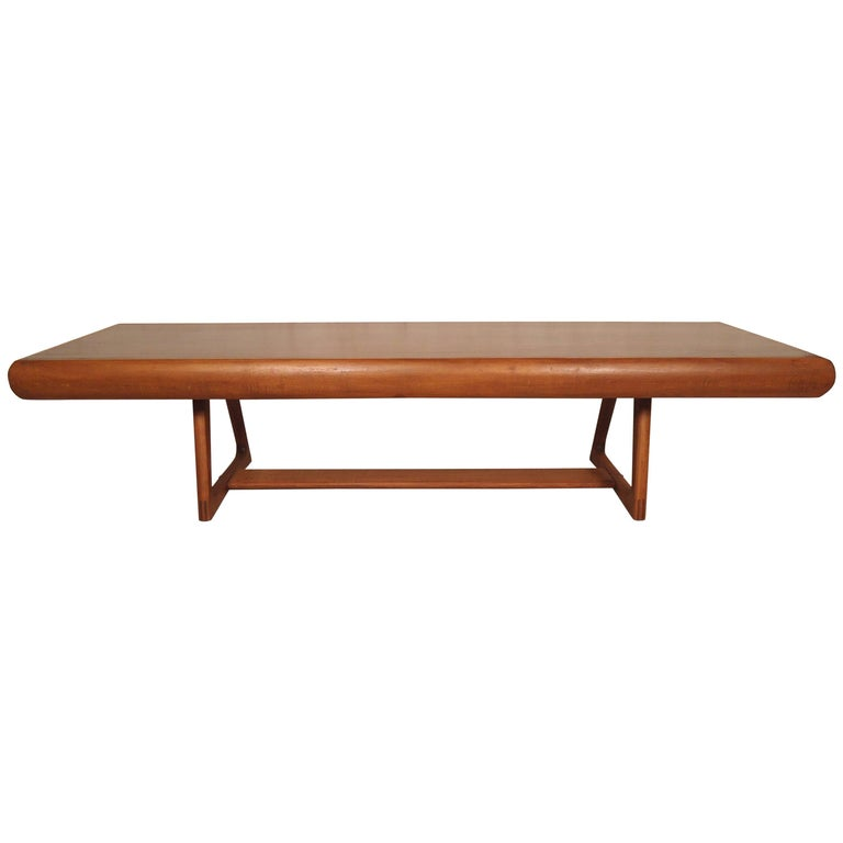 elegant mid century modern coffee table for sale at 1stdibs. Black Bedroom Furniture Sets. Home Design Ideas
