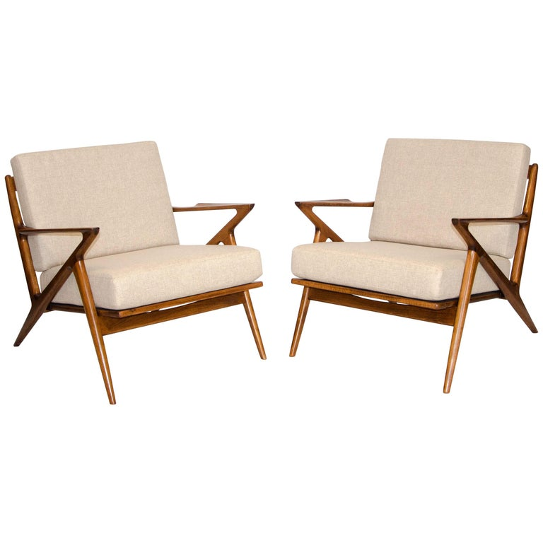 Pair Of Danish Z Lounge Chairs By Poul Jensen For Selig At 1stdibs