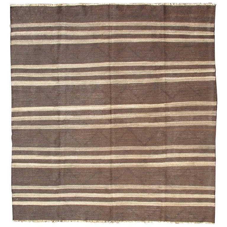 Kilim Rug Cream: Vintage Turkish Kilim Rug With Horizontal Stripe Pattern