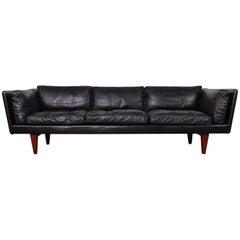 Leather V11 Sofa by Illum Wikkelsø