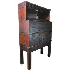 Unusual Globe Wernicke Stacking Cabinet with Bookcase Top, Quarter Sawn Oak