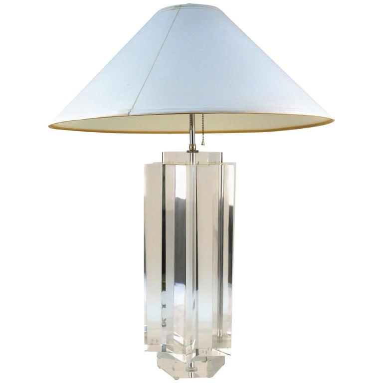 Prismatiques Lucite Table Lamp