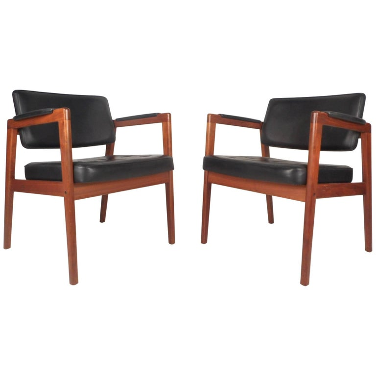 Pair of mid century modern svegards markaryd leather and for Mid century modern armchairs