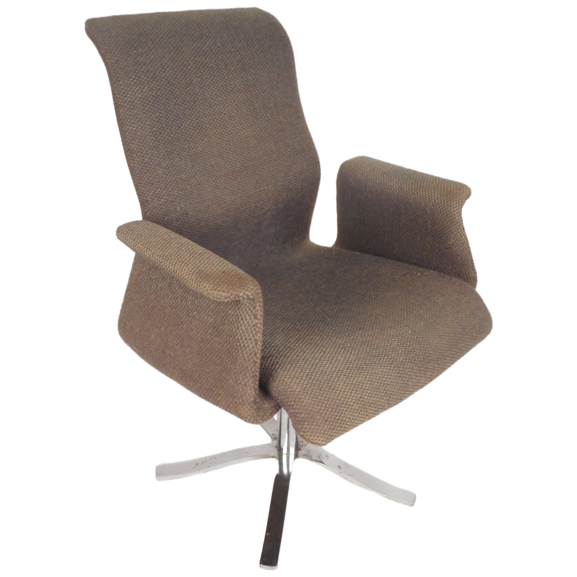 Unique Mid-Century Modern Swivel Lounge Chair