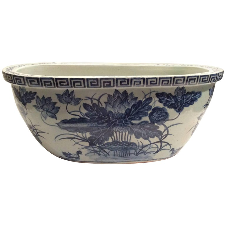 Large Qing Dynasty Footbath Blue and White Vessel For Sale