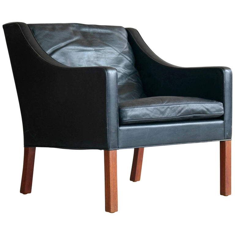 Borge Mogensen Model 2207 Lounge Chair in Black Leather and Teak for Fredericia