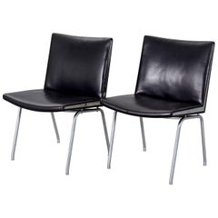 Pair of Ap-40 Black Leather Airport Chairs by Hans J. Wegner for Ap-Stolen, 1950