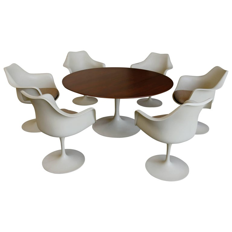 Dining Set by Eero Saarinen for Knoll