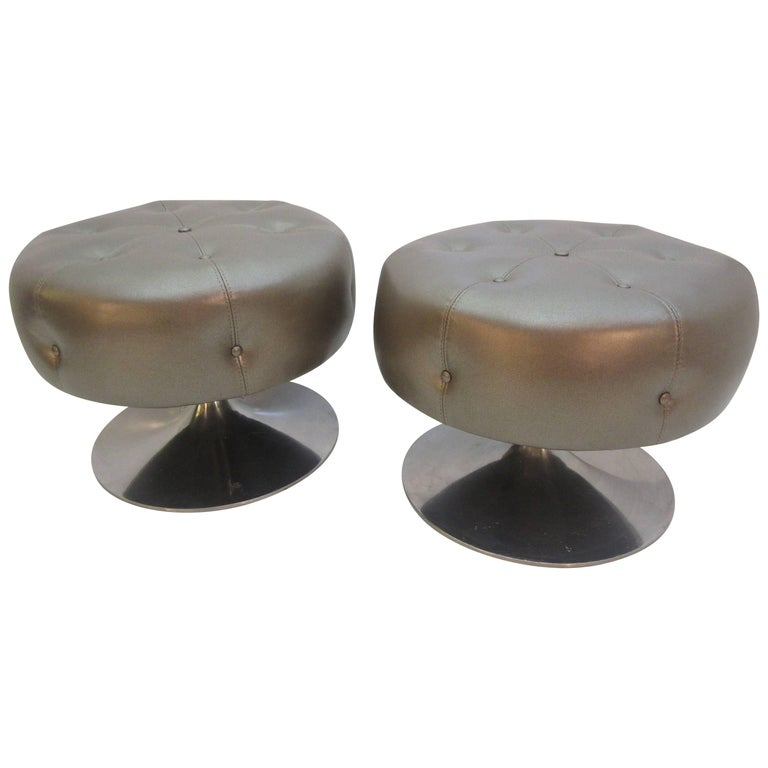 Selig Swivelling Stools With Aluminium Bases At 1stdibs