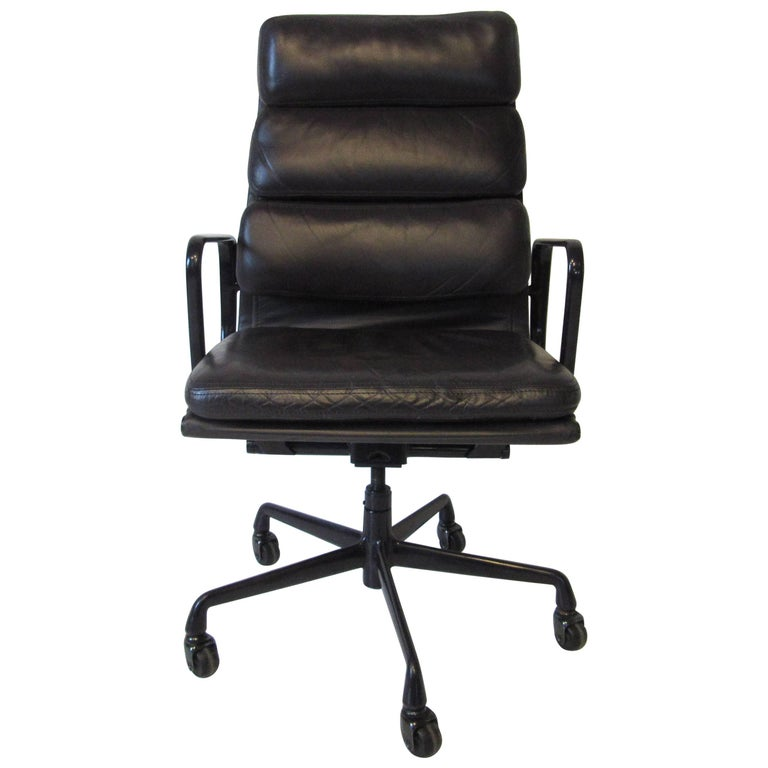 Eames Soft Pad Aluminium Group Executive Chair In Dark
