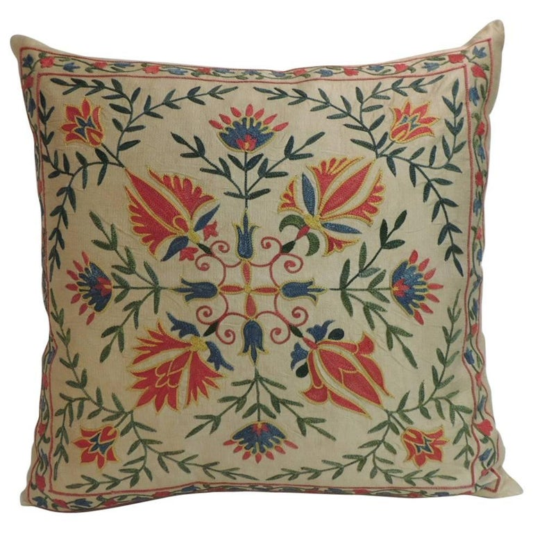 vintage floral motif suzani silk on silk embroidered decorative square pillow at 1stdibs. Black Bedroom Furniture Sets. Home Design Ideas