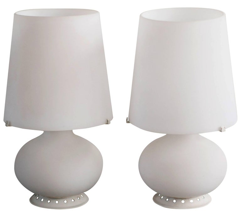 Pair of Satin Glass Table Lamps by Max Ingrand for Fontana Arte