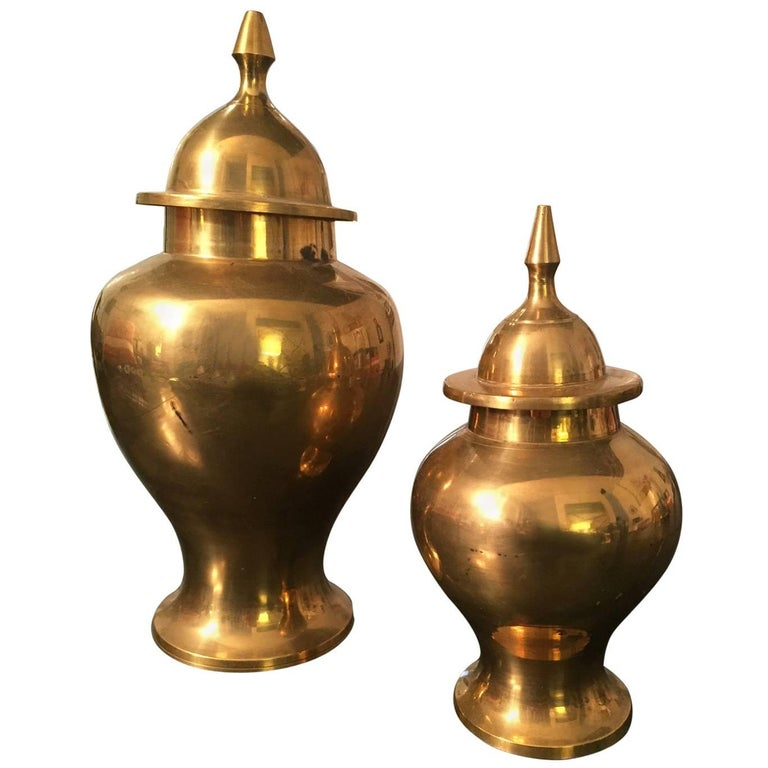 20th Century Pair of Polished Brass Lidded Urns 1