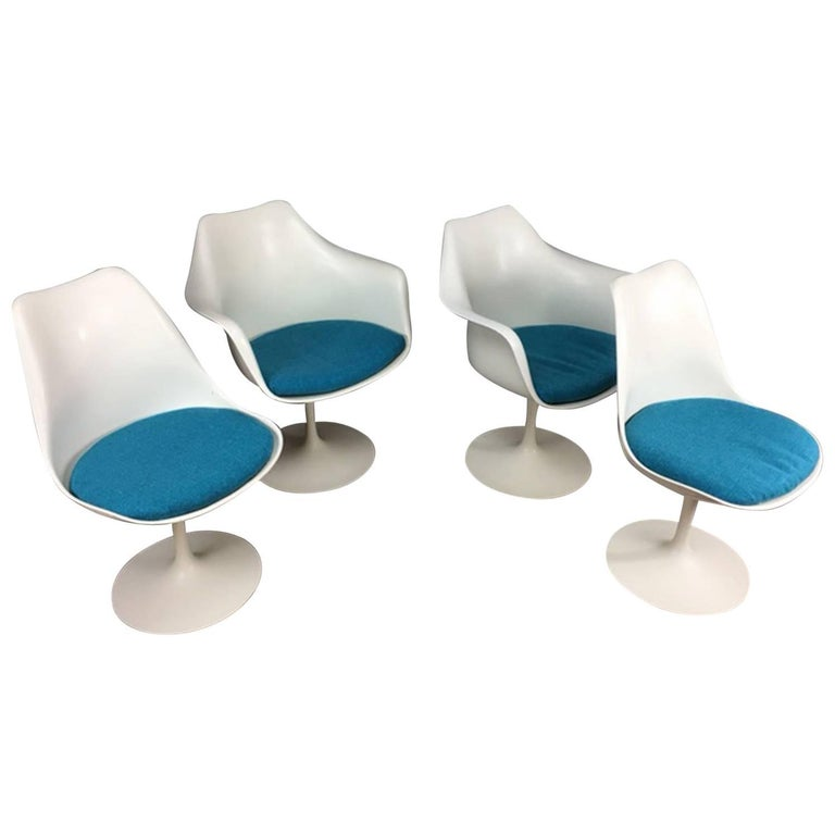 Eero Saarinen Tulip Dining Chair Set by Knoll