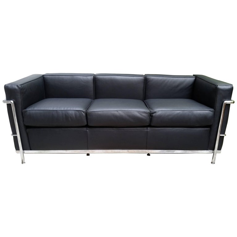 Lc2 le corbusier three seat sofa in black leather grained for Le corbusier sofa