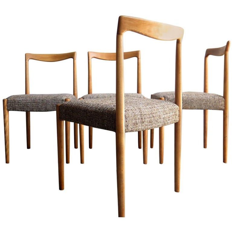 Set of Four Elegant Oak Dinning Chairs with new beautiful fabric seat