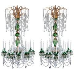 Herrliches Paar russische Kronleuchter aus grünem Kristall und Gold