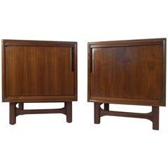 Pair of Mid-Century Modern Walnut Nightstands by Cavalier Corporation