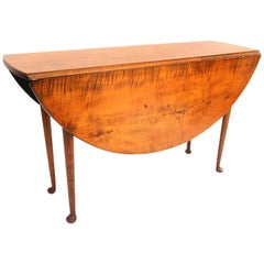 18th Century, New England Queen Anne Tiger Maple Drop-Leaf Table