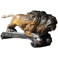 Early 19th Century Carved Wood, Gesso and Parcel Gilt Heraldic Lion