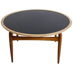 Round Oak Coffee Table Manufactured by Ludvig Pontoppidan, 1950-1960s