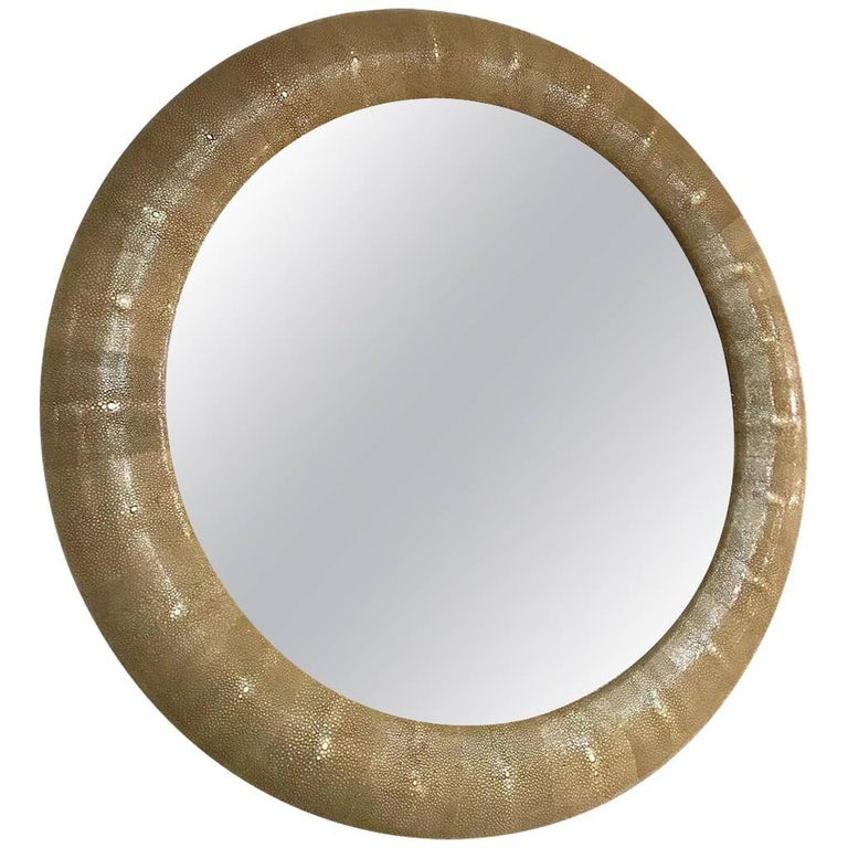 Italian Contemporary Round Mirror in Light Taupe Gray Shagreen