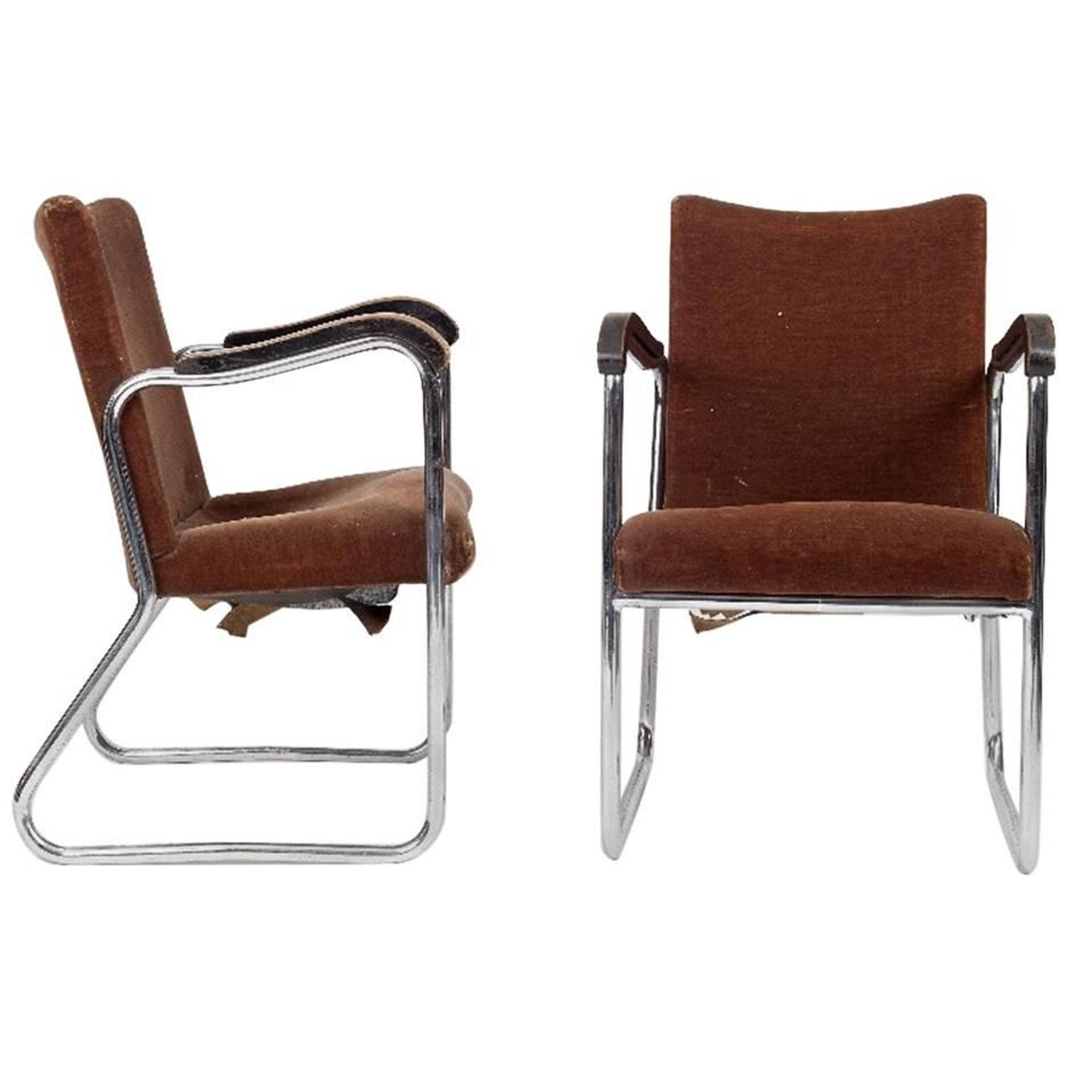 Bauhaus tubular steel lounge chair at 1stdibs - Thonet A Pair Of 1930s Tubular Steel Armchairs With Ebonized Armrests For Sale At 1stdibs