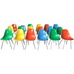 Set of 18 Charles and Ray Eames Fiberglass Scoop Shell Chairs DSX Herman Miller