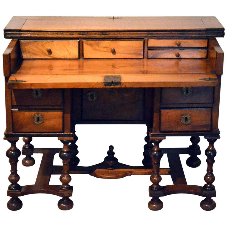 17th century french bureau mazarin for sale at 1stdibs. Black Bedroom Furniture Sets. Home Design Ideas