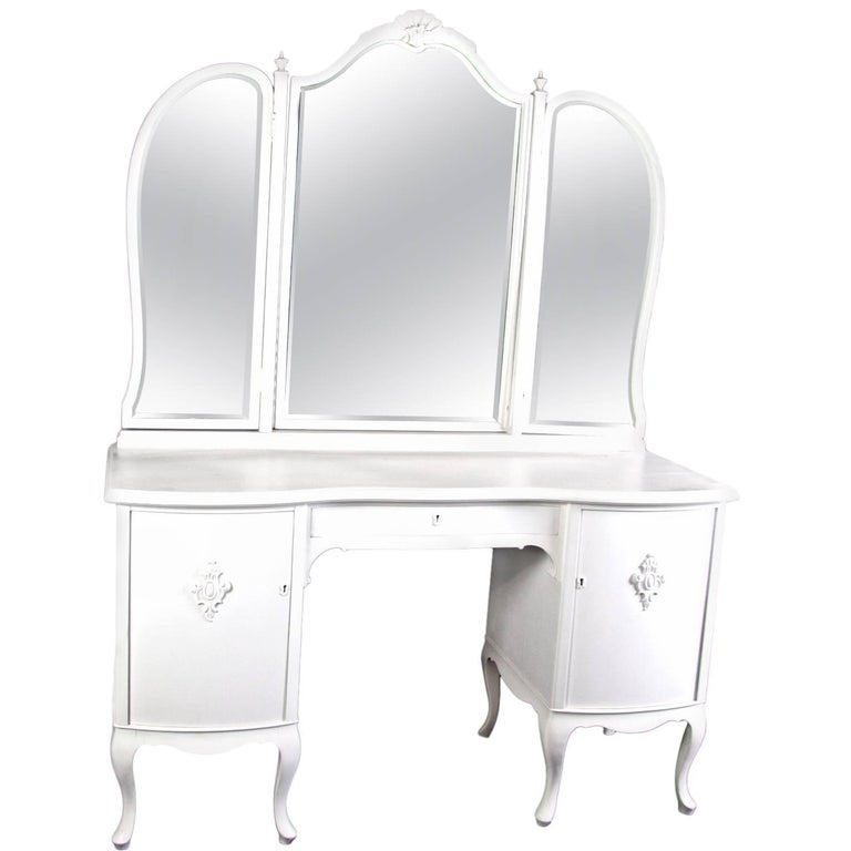 Antique Swedish Gustavian Three Mirror Curved Dressing Table Early 20th Century  For Sale