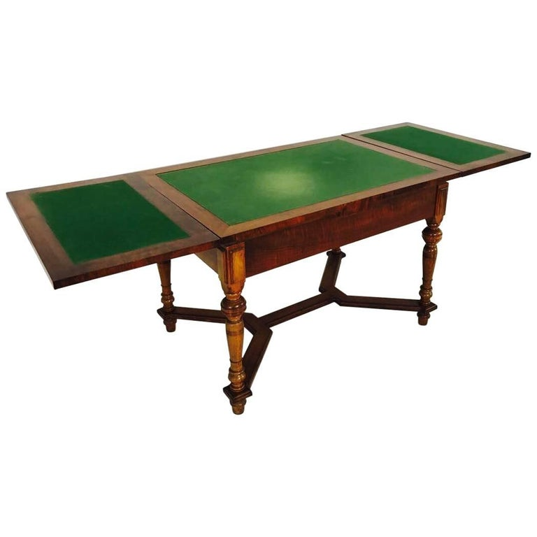 Antique louis philippe table from 1860 for sale at 1stdibs for Table ronde louis philippe