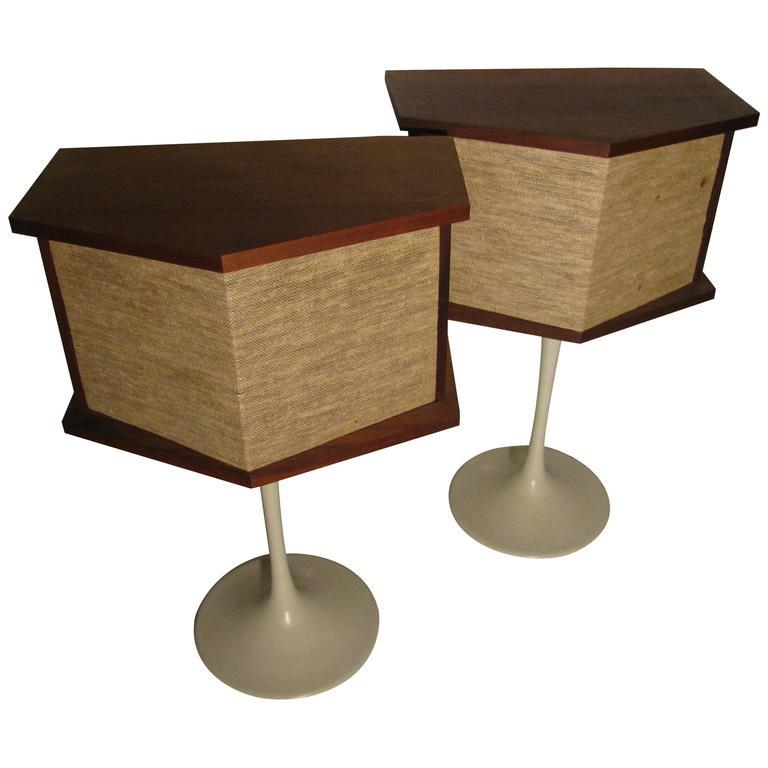 Bose Speakers On Tulip Base By Eero Saarinen 1