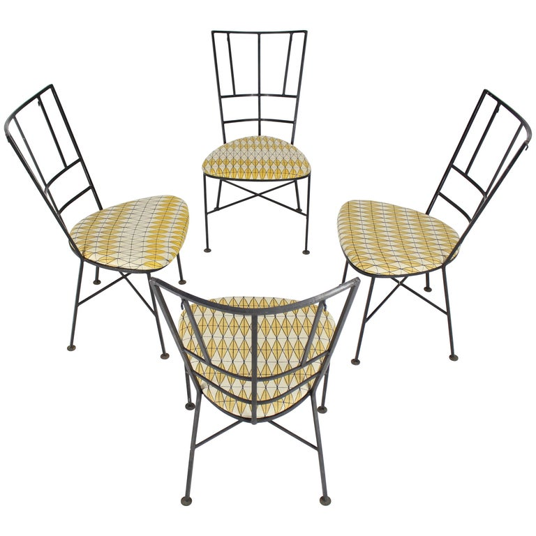Set Of Four Wrought Iron Outdoor Chairs Heart Shape Seats For Sale