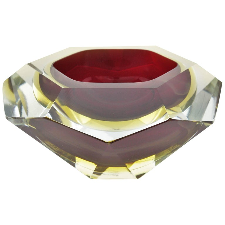 Giant Flavio Poli Ruby and Yellow Diamond Shaped Faceted Murano Glass Bowl