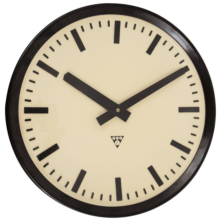 Huge Bakelite Industrial Train Station Wall Clock in Excellent Condition, 1940s For Sale