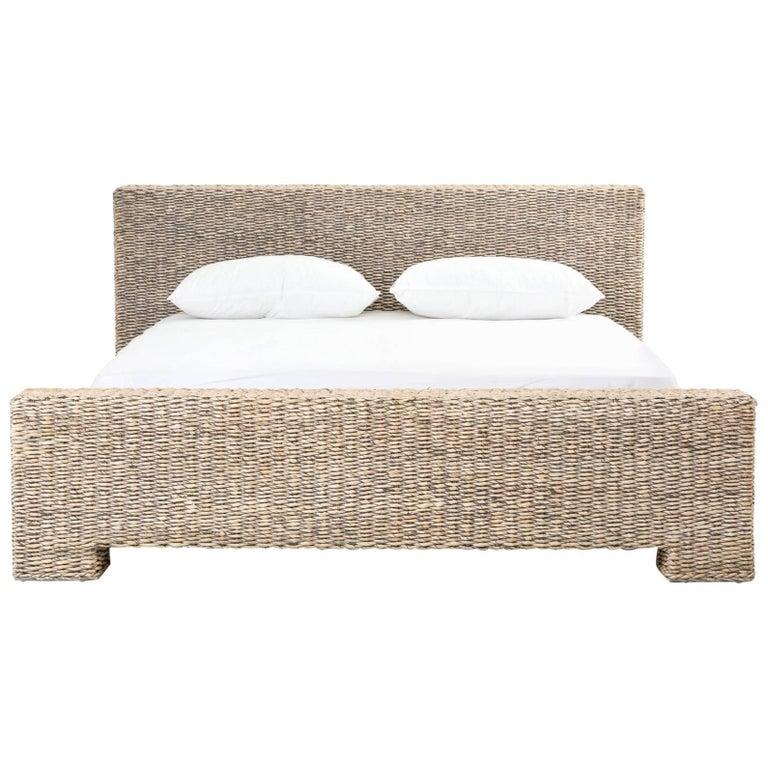 low profile rattan bed in king size for sale at 1stdibs. Black Bedroom Furniture Sets. Home Design Ideas