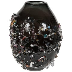 Sakura VIV, a unique glass vase in black with mixed colours by Maarten Vrolijk