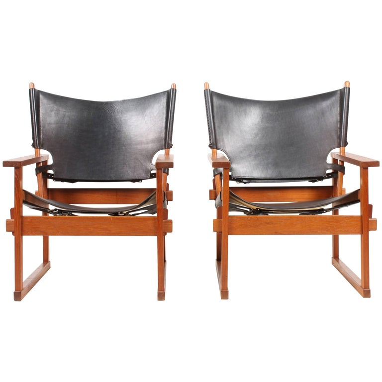Pair of Lounge Chairs by Hundevad 1