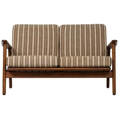 Hans Wegner Sofa Model GE-233 by GETAMA in Denmark